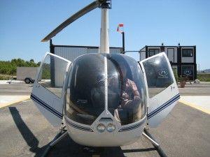 vista-frente-helicóptero-robinson-r44